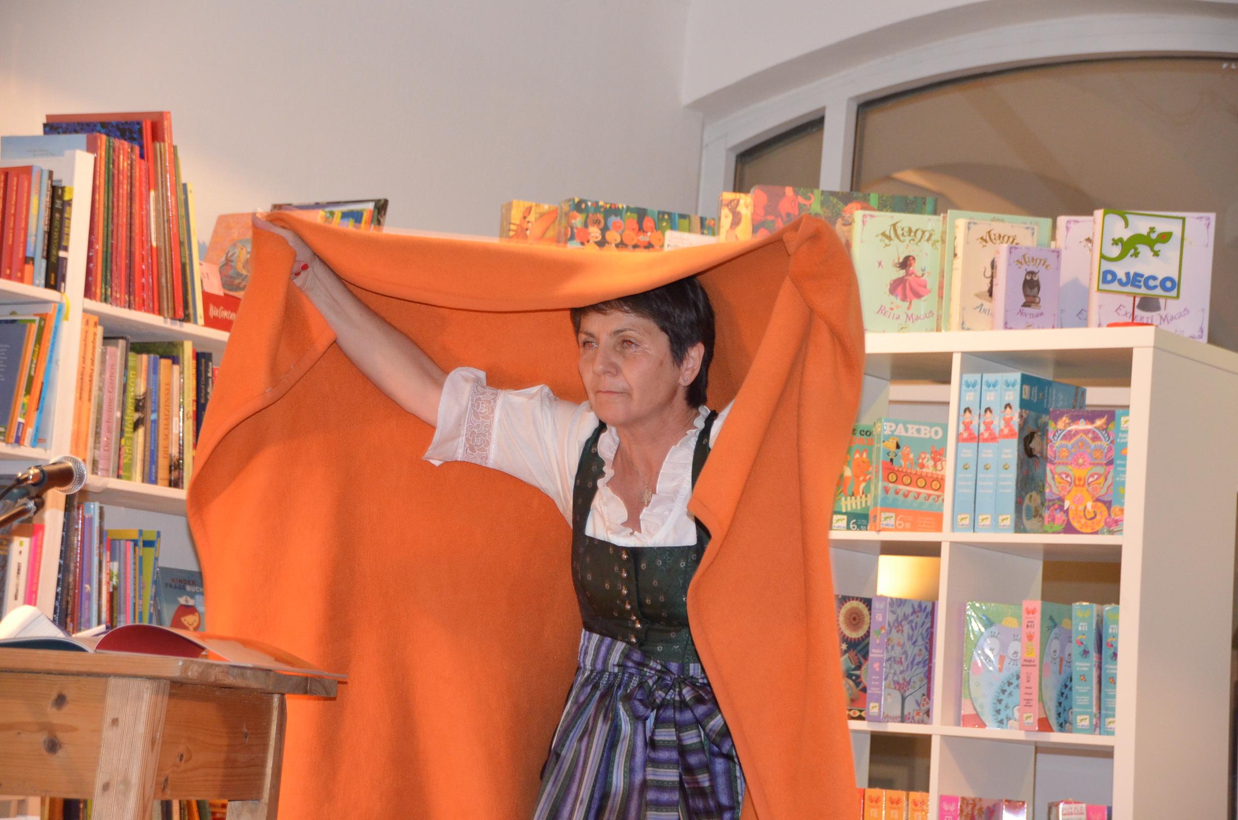 Zuhause kann überall sein: Lese-Tour von Irena Kobald   Knesebeck Verlag